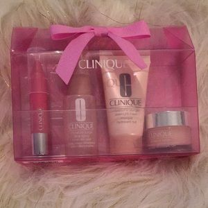 Clinique Moisture Surge kit